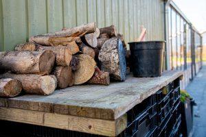 Stapel hout voor de kachel