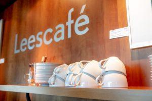 espressokopjes in het leescafé Heerhugowaard
